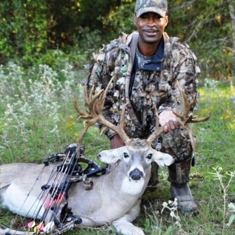 Eric Minter with 27 Point Non-Typical Buck